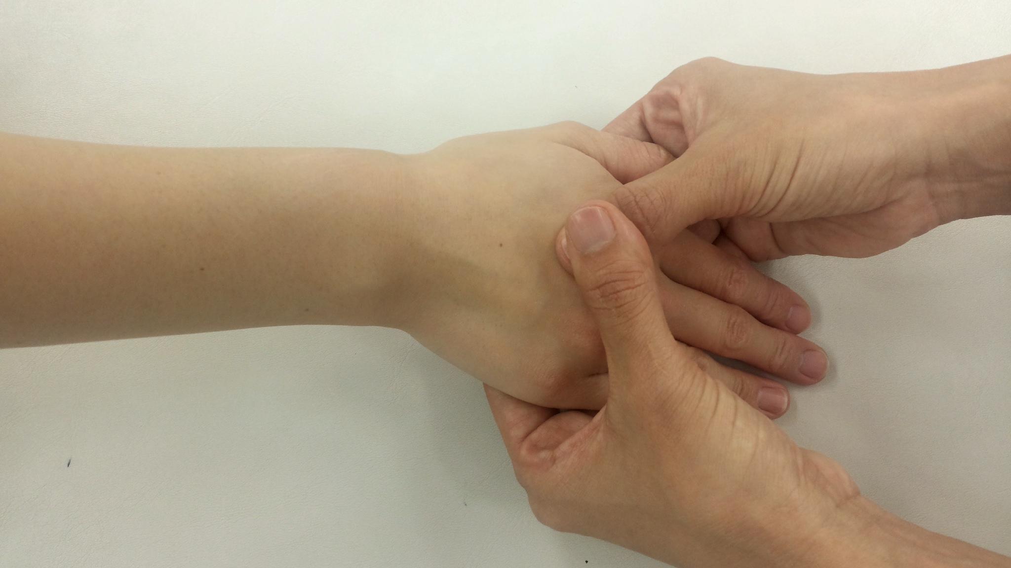 極上の癒し  ハンドトリートメント 3時間 【新宿】IHTA理事 加藤香